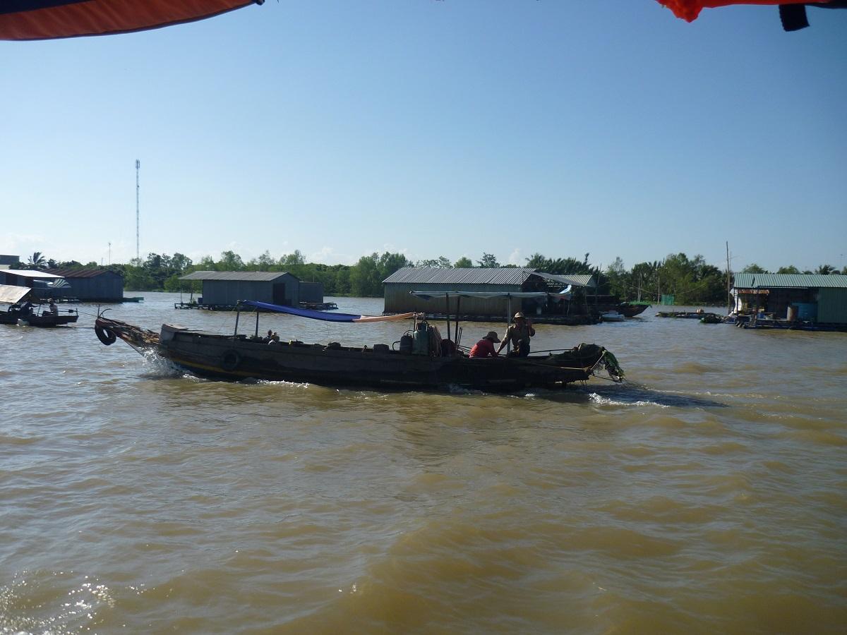 дома на реке Меконг